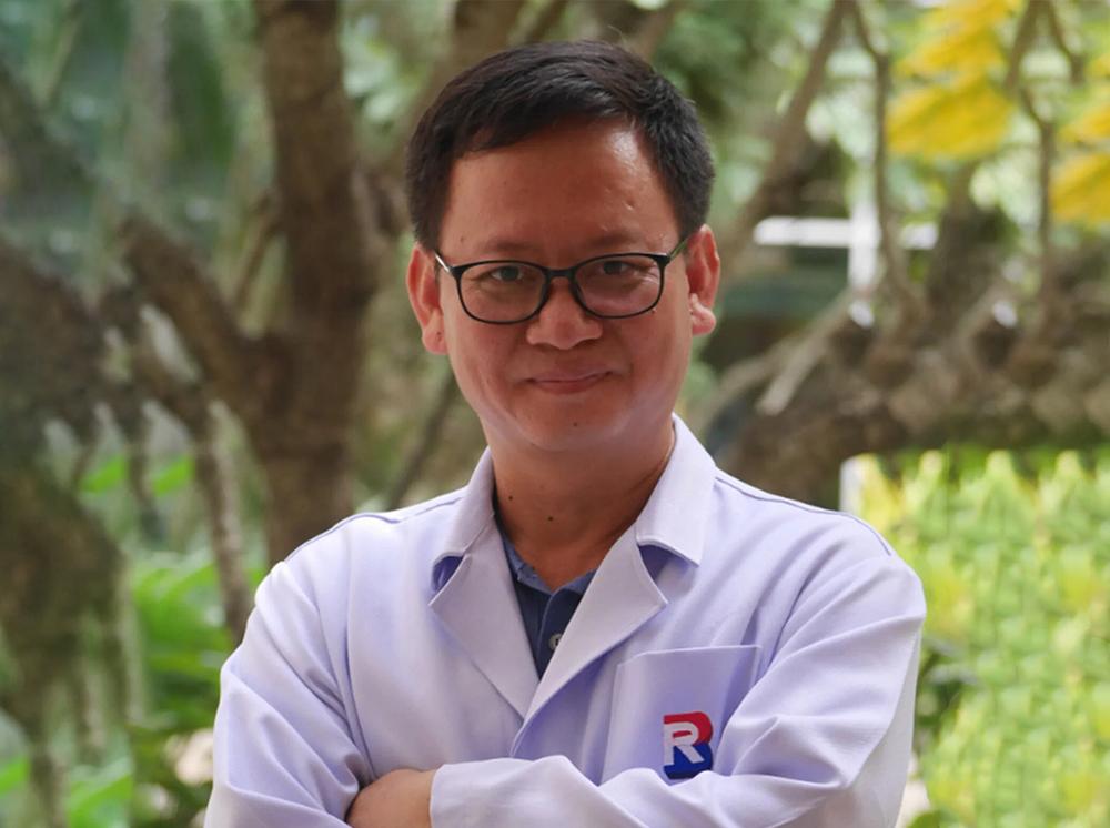 Dr.Heng Kompheak